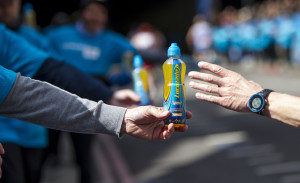 20160424 Copyright onEdition 2016 © Free for editorial use image, please credit: onEdition Lucozade Mile 23 at the London Marathon 2016. If you require a higher resolution image or you have any other onEdition photographic enquiries, please contact onEdition on 0845 900 2 900 or email info@onEdition.com This image is copyright onEdition 2016©. This image has been supplied by onEdition and must be credited onEdition. The author is asserting his full Moral rights in relation to the publication of this image. Rights for onward transmission of any image or file is not granted or implied. Changing or deleting Copyright information is illegal as specified in the Copyright, Design and Patents Act 1988.  If you are in any way unsure of your right to publish this image please contact onEdition on 0845 900 2 900 or email info@onEdition.com